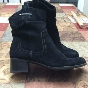 Naturalizer Carlyle black suede slouch boot 9m